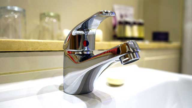 Best Bathroom Faucets Review With Ing Guide In 2017