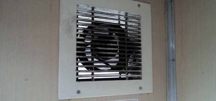 How To Clean Exhaust Fan In Your Bathroom